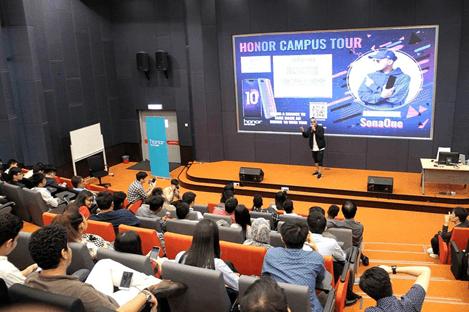 ၂၀၁၈ ခုနှစ် မလေးရှားနိုင်တွင် ကျင်းပခဲ့သည့် Honor ချစ်သူများအတွက် ဆောင်ရွက်ပေးခဲ့သော Honor Campus Tour