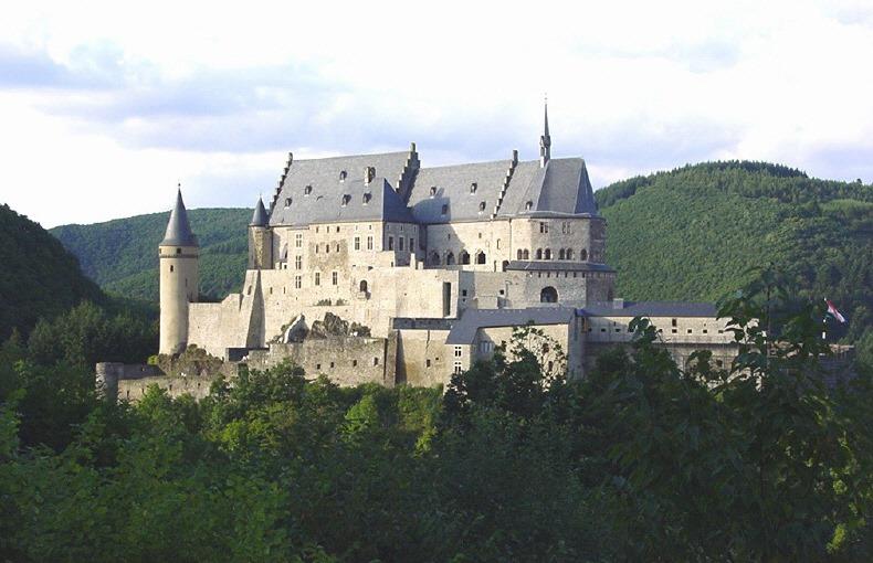 Schloss Vianden ရဲတိုက် (လူဇင်ဘာ့ဂ်)