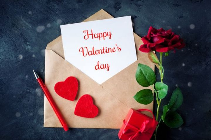 0_Happy-Valentines-day-Congratulatory-background-by-St-Valentines-Day.jpg