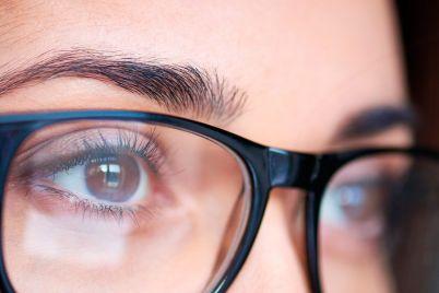 10-secrets-eye-doctor-eyeglasses.jpg