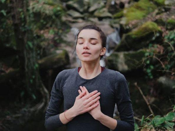 နာကျင်မှုကို သက်သာသွားအောင် အကူအညီဖြစ်စေတဲ့ အသက်ရှုလေ့ကျင့်ခန်း (၃) မျိုး