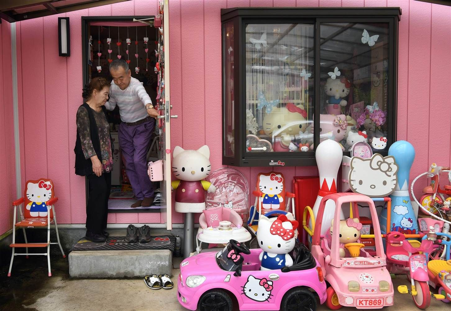 170704-hello-kitty-4-ew-1128a_0ff675617cb9735e8416497cf204ae80.nbcnews-ux-2880-1000.jpg