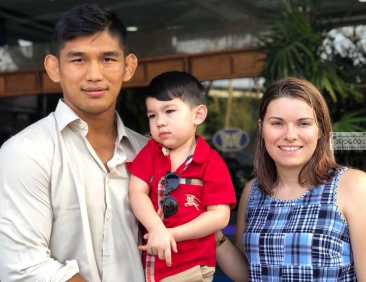 Aung-la-family-1.jpg