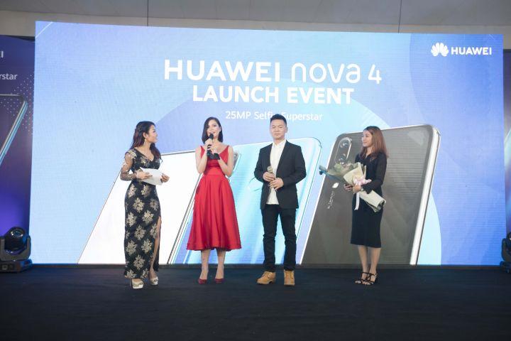 Huawei-Nova-4-Product-Launch-Event-_-08.jpg