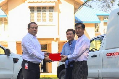 Ooredoo-donates-two-vehicles-to-Daw-Khin-Kyi-Foundation-1.jpg