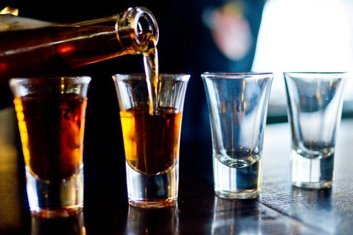 alcohol.aa8aeb4af6f3250aa670551d4e0737f9.jpg