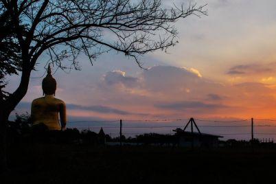 buddha-with-the-sunrise-PC2LC4L1.jpg