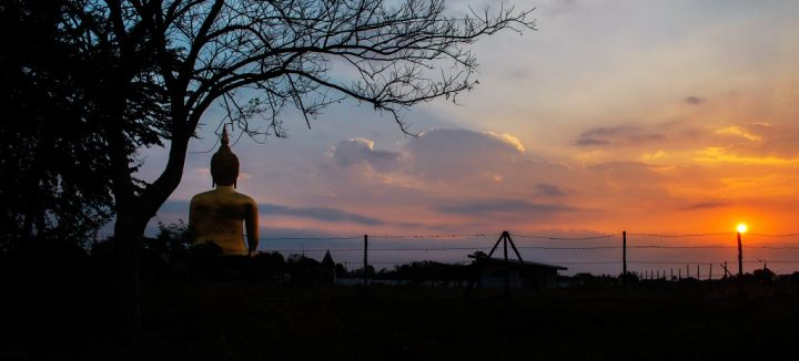 buddha-with-the-sunrise-PC2LC4L1.jpg