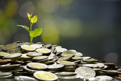 business-saving-growth-economic-concept-PNJSM3S.jpg