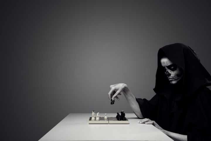 concept-playing-with-death-woman-in-realistic-PKEVH5M-e1566026513657.jpg