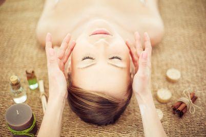 facial-massage-PETMNTZ.jpg