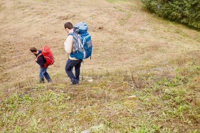 friends-with-backpacks-hiking-PC4EFNK.jpg