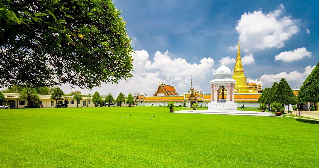 grand-palace-in-bangkok-thailand-PHSGZVD.jpg