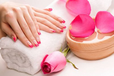 healthy-nails-large.jpg
