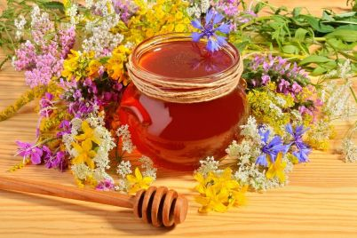 honey-with-flowers-PXPHG2T.jpg
