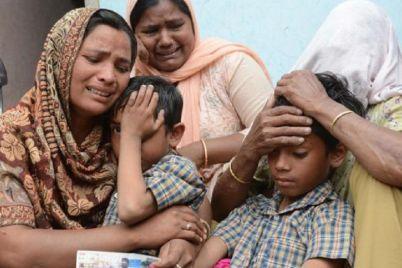 india-worker-family.jpg