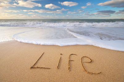 life-word-on-the-sea-LRNMUBW.jpg