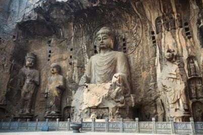 locana-buddha-statue-niche-PEKDEUF.jpg