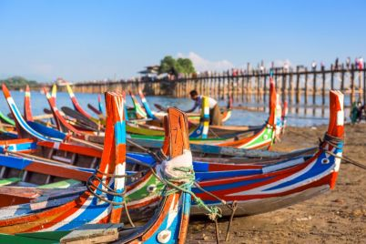 mandalay-myanmar-boats-PKENLSQ-e1564396046742.jpg