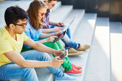 mobile-teens-P4Z2QEC.jpg