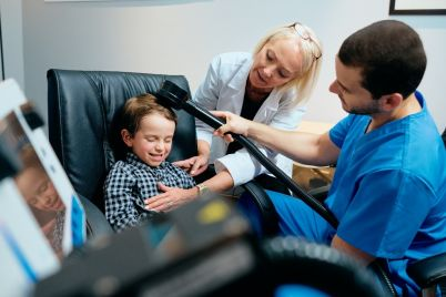 paediatrician-doctor-doing-brain-treatment-to-BPU3H7Y.jpg