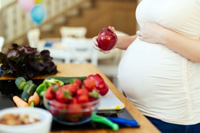 pregnant-woman-healthy-diet-TYHBNAJ.jpg