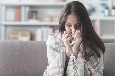 sick-woman-with-flu-KPG83JH.jpg