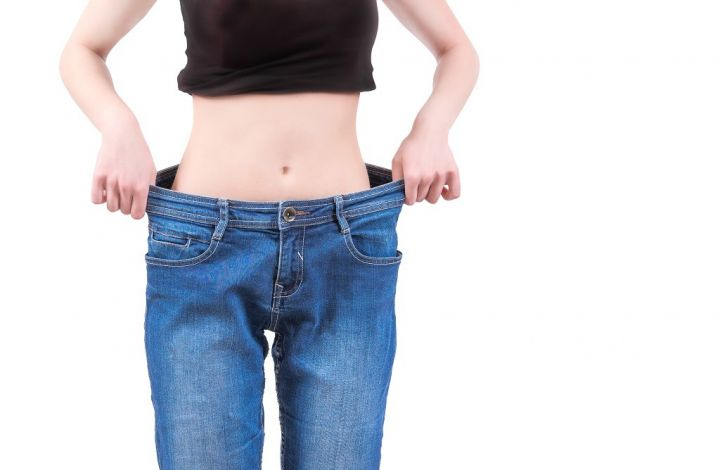 skinny-girl-and-baggy-jeans-PCACNPE.jpg
