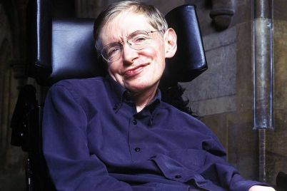 stephen-hawking-gave-a-priceless-gift-to-filmmakers-of-the-oscar-winning-movie-about-his-life.jpg