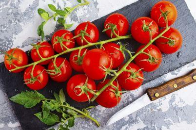 tomato-33AQ56S.jpg
