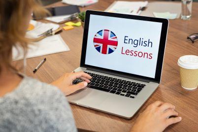 woman-learning-english-online-NFK76AY.jpg
