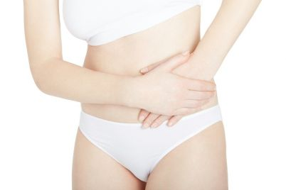 woman-with-lateral-abdominal-pain-isolated-on-PD2RBHX.jpg