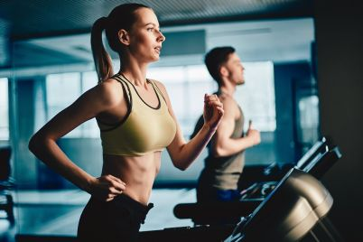 workout-on-treadmill-PZDC3GE.jpg